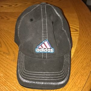 Adidas black womens hat, excellent condition